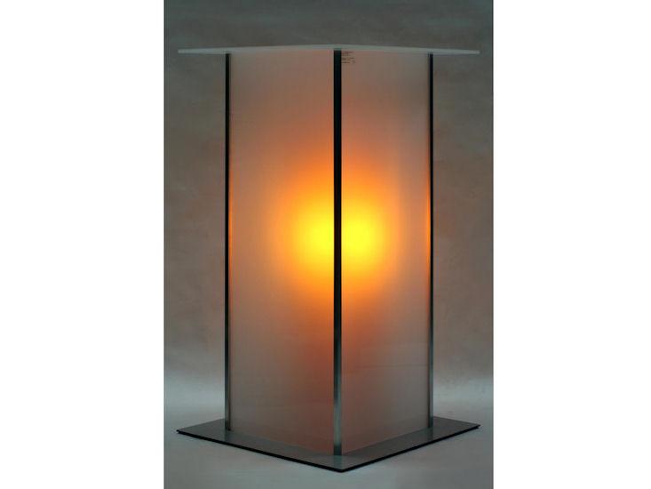 Stehtisch *alpha*, 60 x 60 cm, Beleuchtung mit Akku, Farbe orange