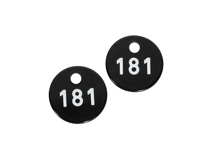 Garderobenmarke mit Zahlenprägung